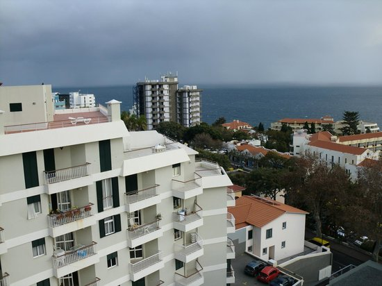 Raga Madeira Muthu Hotel: VIEW FROM MY ROOM