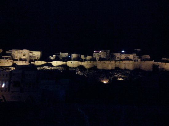The view of the Jaisalmer fort at night from Nomads guest house