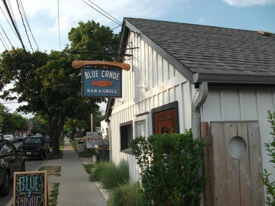 Blue Canoe Oyster Bar: Blue Canoe