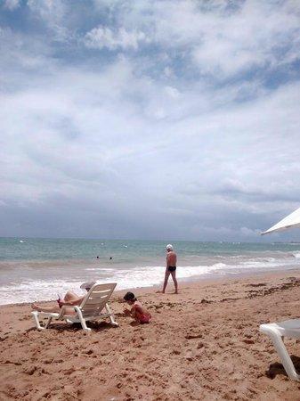 Bahia Plaza Hotel : praia de busca vida