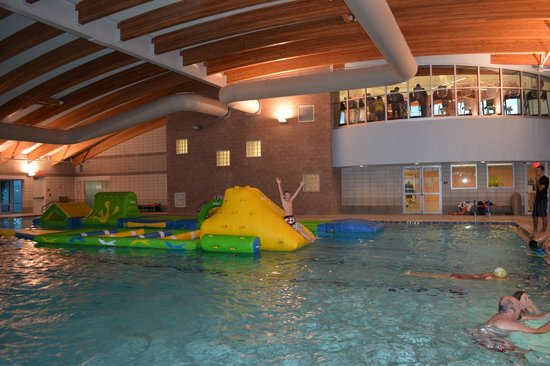 Sun N Fun RV Resort: Even an indoor pool for those 'chilly' Florida nights :-)