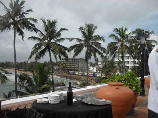 Mount Lavinia Hotel: View from the beach