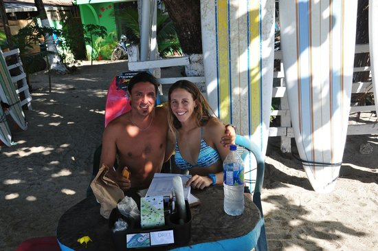 Pato's Surf School: Kate and Pato in the shade