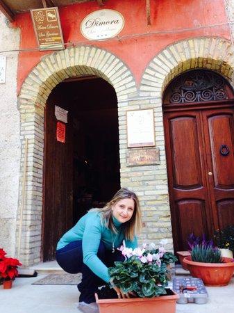 Antica Dimora San Girolamo : La titolare al lavoro mattutino