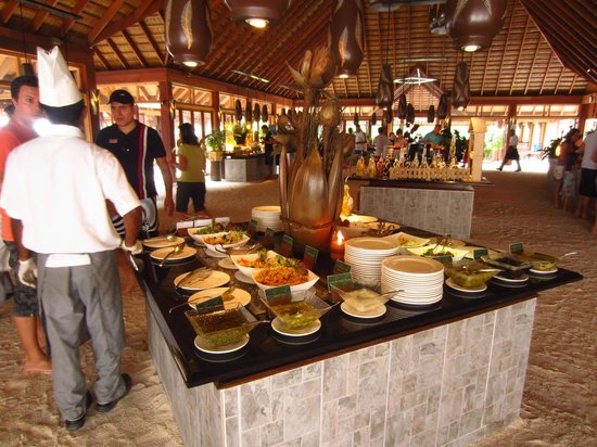 Vilamendhoo Island Resort & Spa: Fushama buffet