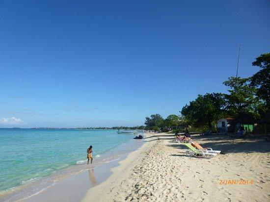Merrils Beach Resort II: Strand