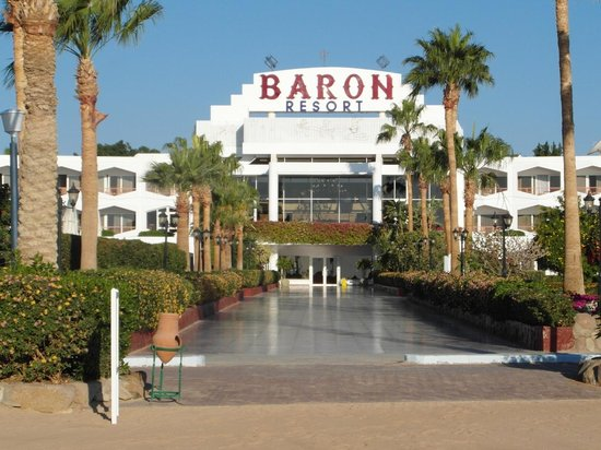 Baron Resort Sharm El Sheikh : La facciata verso il mare.