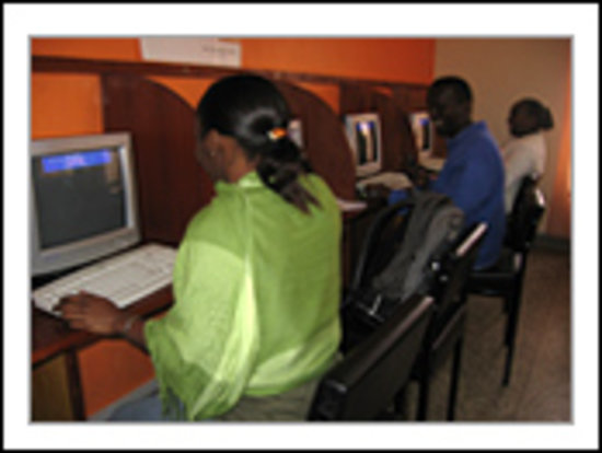 Shalom House: Cyber cafe