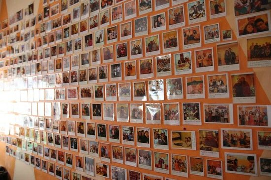 JV's Hostel: Picture Wall