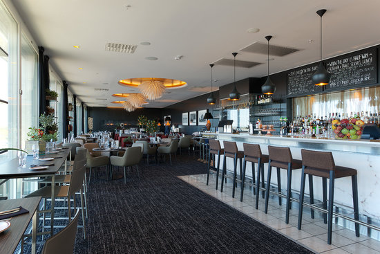 10 restaurants near radisson blu skycity hotel arlanda for Hotels near arlanda airport