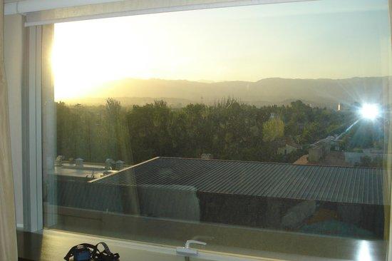 InterContinental Mendoza: Vista majestuosa de la precordillera y la ciudad. Quinto piso.