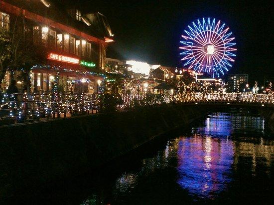 Mihama American Village: THe night scene is breath taking