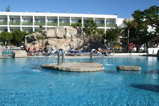 Diverhotel Lanzarote: piscinas y yacuzy
