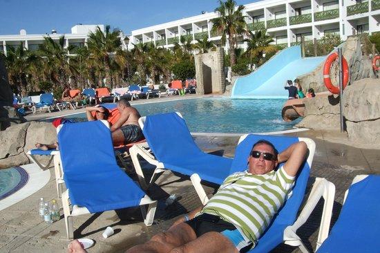 Diverhotel Lanzarote: tomando el sol