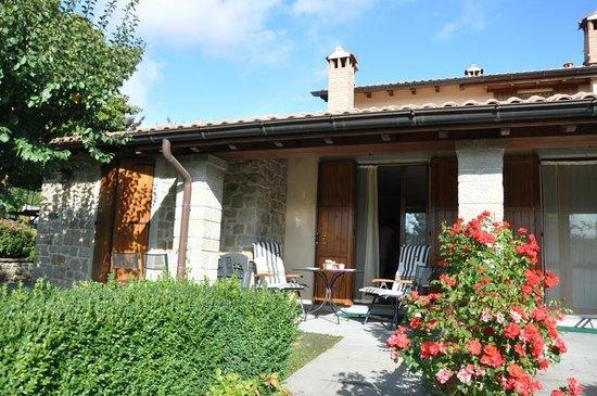 Borgo Caiano Residence and B&B: Apartment porch