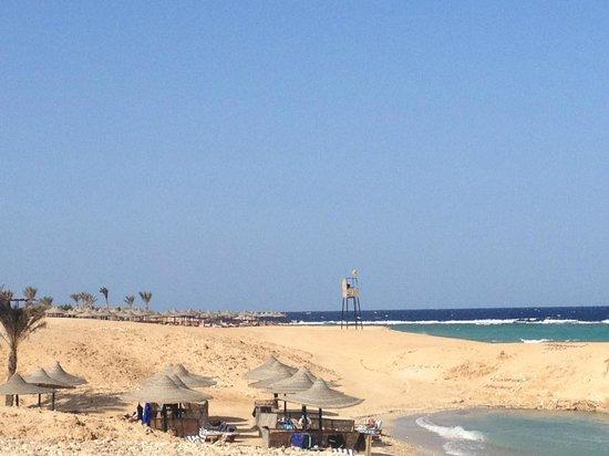 Wadi Lahmy Azur Resort: spiaggia villaggio