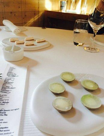"""Restaurant étoilé """"Flocons de Sel"""" : 4/ Mises en bouche"""