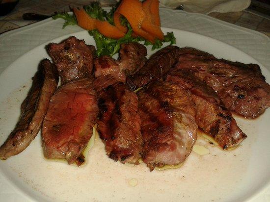 Osteria Persei: Tagliata di bufala aromatizzata alla brace