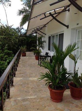 Gaia Hotel & Reserve: möblierte Terrasse von mehreren Zimmern