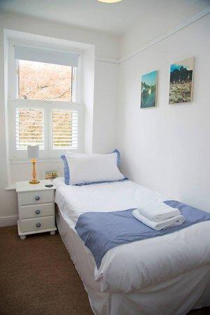 Linnett Hill: Room2