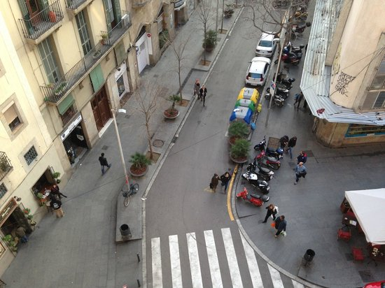 Hotel Ciutat Vella: View from floor 5 corner room