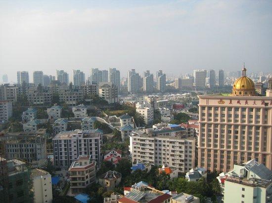 Barry Boutique Seaview Hotel Sanya: Вид на город с 25 этажа