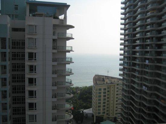 Barry Boutique Seaview Hotel Sanya: это вид на море с 26 этажа отеля )))