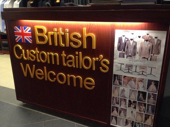 British Custom Tailors: 色々オーダメイドスーツやドレスを仕立ててくれるみたいです
