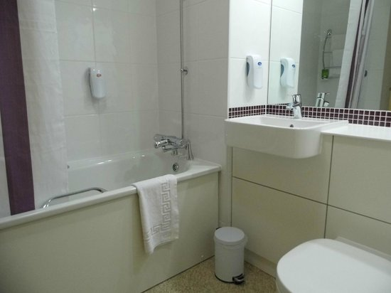 Premier Inn London Croydon Town Centre Hotel: salle de bain