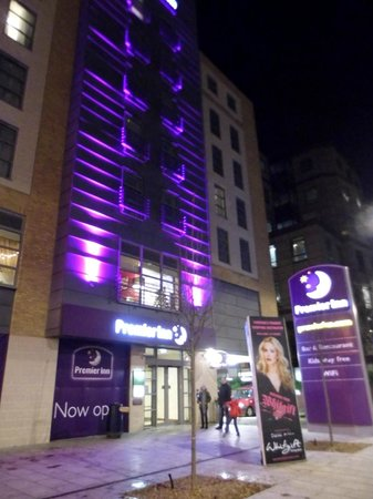 Hotels In Croydon London Premier Inn Rooms