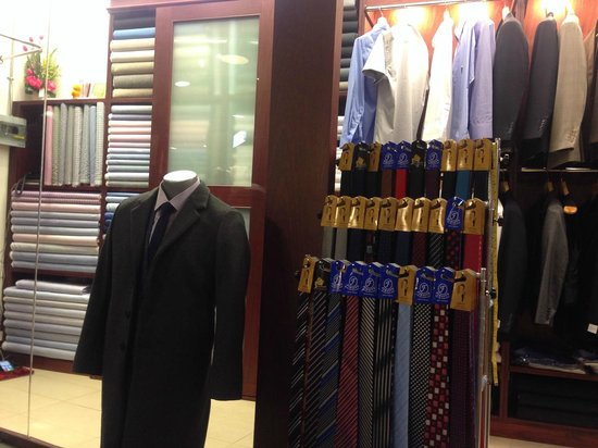 British Custom Tailors: The situation of inside of a shop