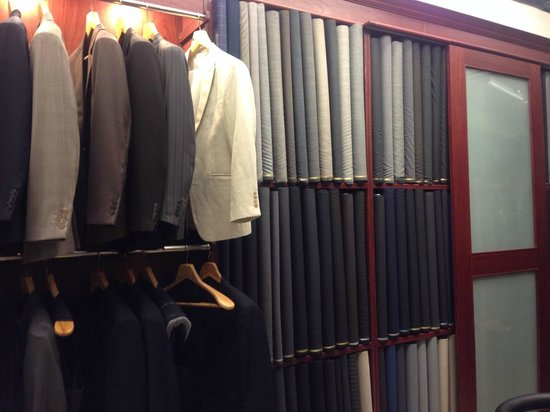 British Custom Tailors: Handling with abundant cloth