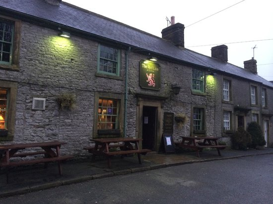 Litton, UK: Cosy Pub with cracking food