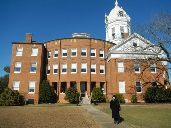 Old Monroe County Courthouse and Heritage Museum: Courthouse
