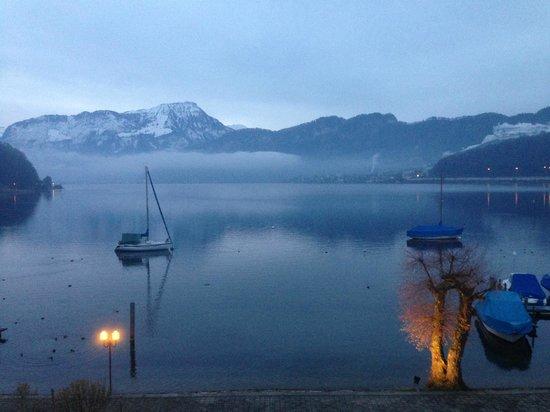 Seehotel Sternen Horw: een winterochtend aan het Vierwoudstedenmeer