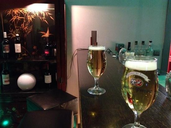 Rivoli Hotel : отличное розливное пиво в баре