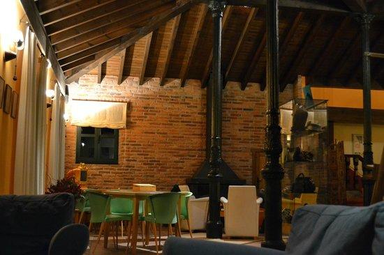 La Cepada Hotel: Chimenea
