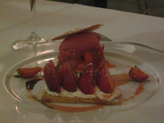 Aupres du Clocher : tarte sablée aux fraises