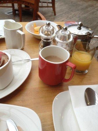 Park Inn by Radisson Nottingham: Breakfast table