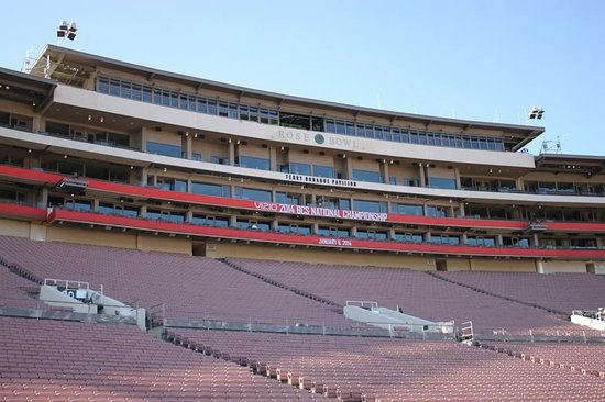 Rose Bowl Stadium: Inside