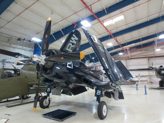 Lone Star Flight Museum: F4 Corsair comme neuf