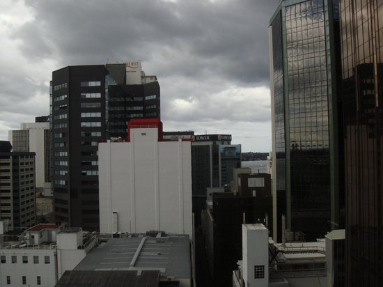 Ibis Budget Auckland Central: View looking towards the bay