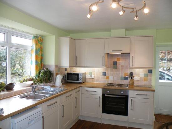 Bairnkine Cottages: Wild Rose Kitchen