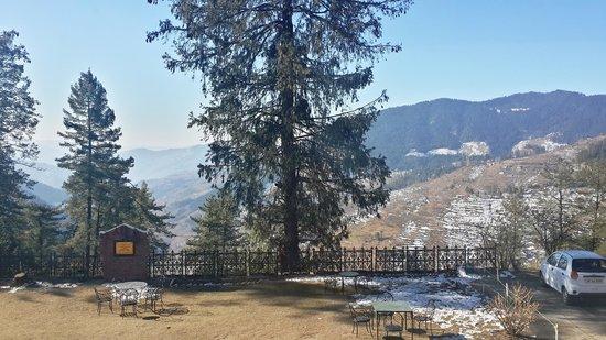 Hotel Hatu: View from Hotel lawn
