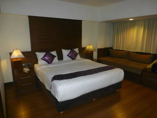 D Varee Diva Bally Sukhumvit: spacious room
