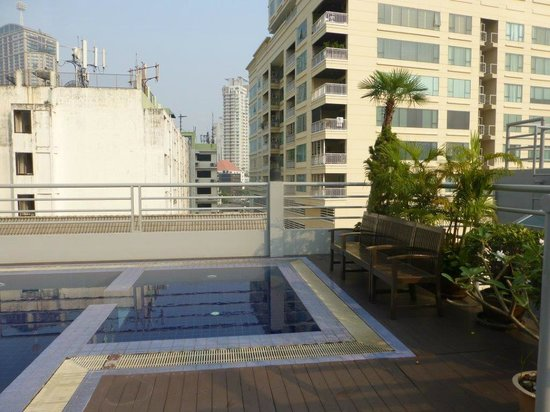 D Varee Diva Bally Sukhumvit: rooftop pool