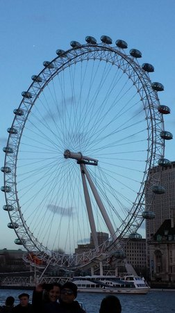London Eye: view from the bridge of the eye