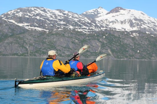 Glacier Bay Sea Kayaks - Day Tours: No it is not photoshopped. Beauty is everywhere in GB.