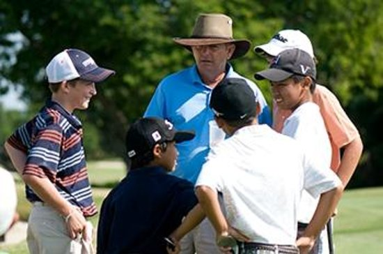 Osprey Point Golf Course: Don Law teaches the juniors!