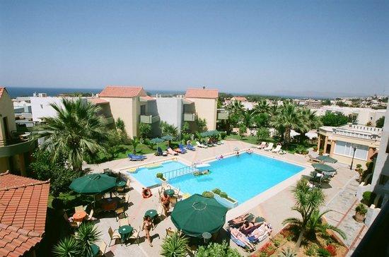 니레아스 호텔